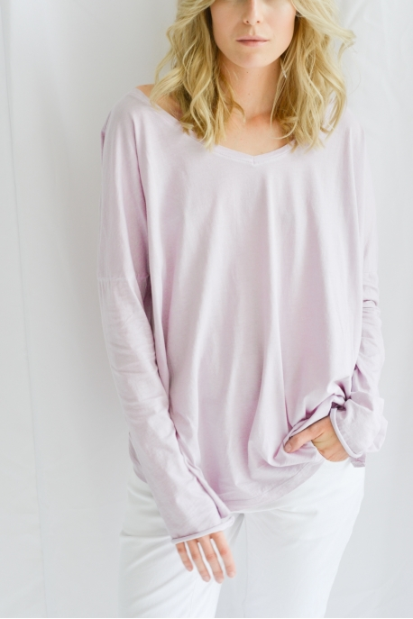 long sleeve with v-neck on back