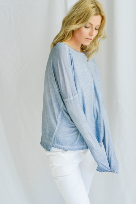 long sleeve with round neck on back