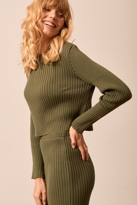 khaki short sweater