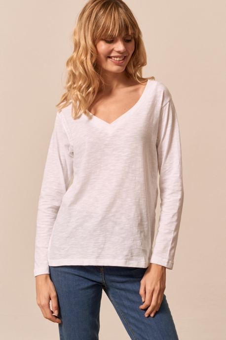 long sleeve with v-neck